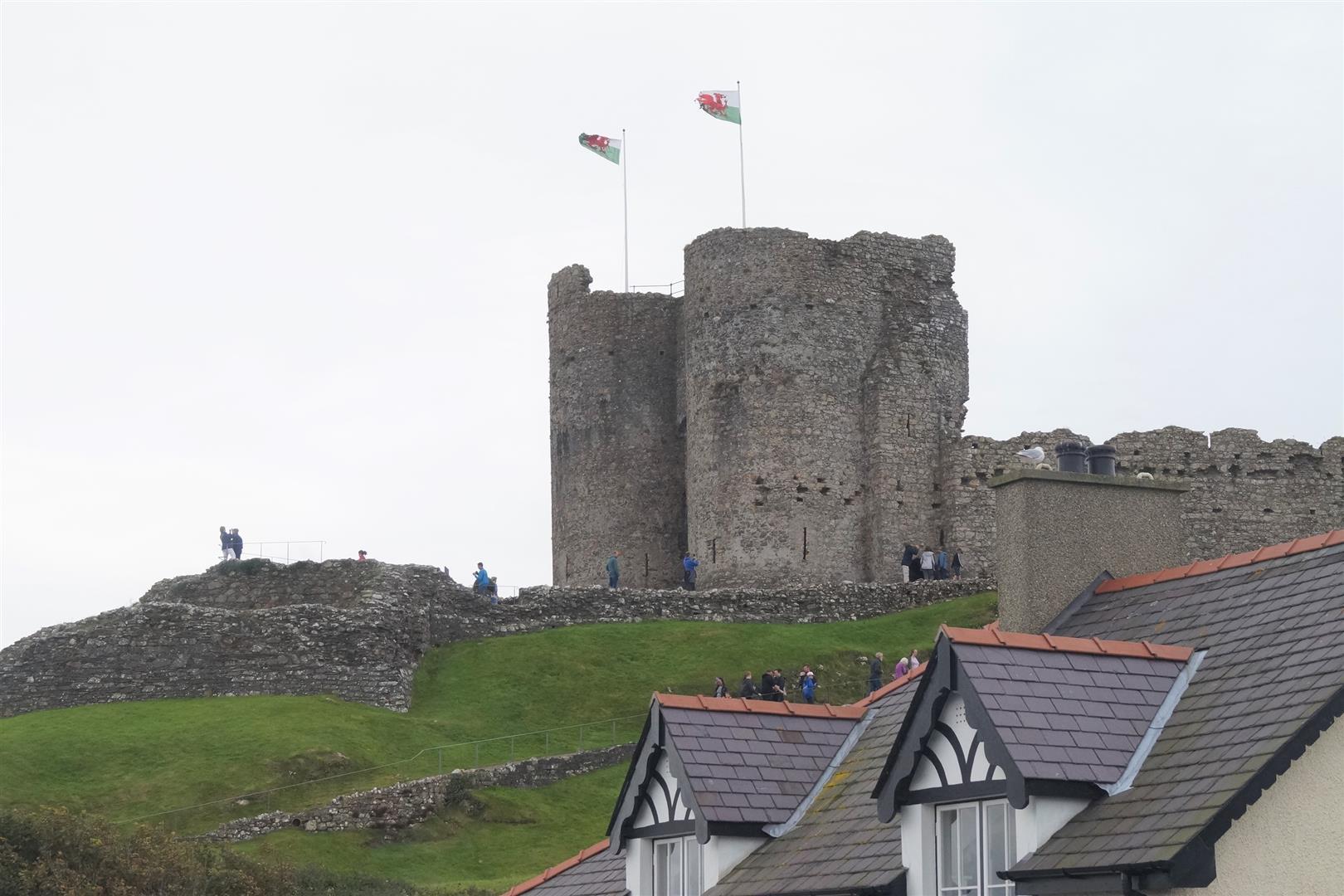 7 Castle Square, Criccieth